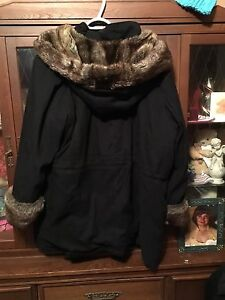 Black lady's fur swade winter coat 4x
