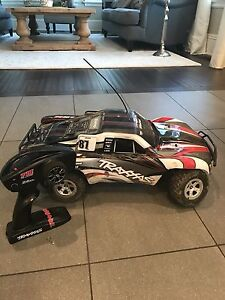 TRAXXAS SLASH - RC