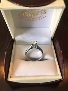 Beautiful engagement ring and wedding band for sale!!