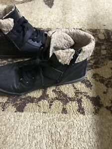 Black leather women boots size 9