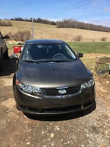 2010 Kia Forte lx super clean and low low kms!