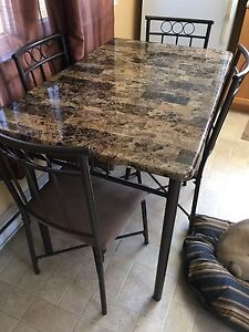 Kitchen table set - must go today