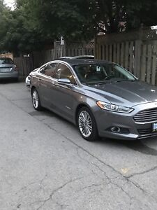 Ford Fusion Hybrid SE. Amazing condition. NO TAX