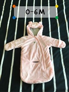 Girl snow suit/jacket 0-6m, 6-12m