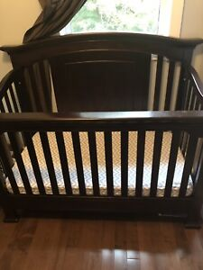 Baby Cache Crib and Change table