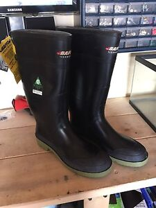 Baffin size 12 steel toe work boots new with tags