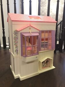 Barbie dollhouse, A three-bedroom house