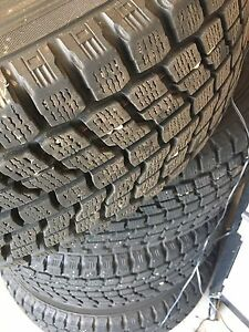 Set of 4 wheels and winter tires almost new