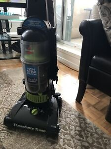 Bissell vacuum power-force (Green)