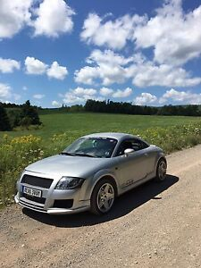 2002 Audi TT Quattro 6-Speed