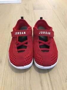 Jordan Size 10 Boys Kids Running Shoe - Gently Used