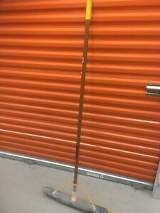 Large job site broom