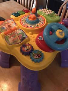 Infant learning table