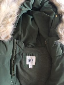Gap Hooded Vest Size Small