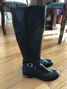 MK leather boots like new