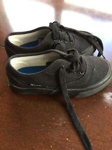 """Kids sneakers """"Airwalks"""" size youth 12"""