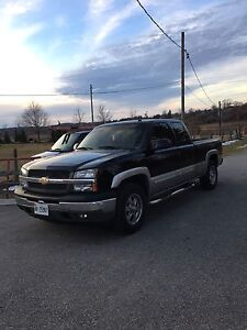2005 Chevrolet Silverado 5.3L LOADED, 4x4, LEATHER - MUST SEE!