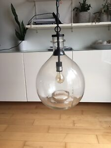 Luminaire suspension style industriel