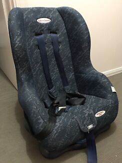 Baby car seat safe n sound brand (used)