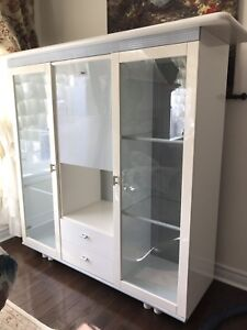 White Glossy Cabinet/Sideboard/Hutch *URGENT MOVING SALE*