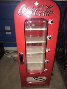 Coca-cola mini fridge dispenser