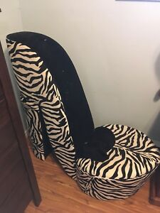 Zebra shoe chair