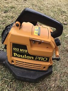 Poulan Pro 452 MVB 2 cycle gas blower and mulcher