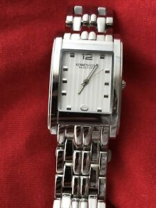 New never worn quartz Kenneth Cole watch