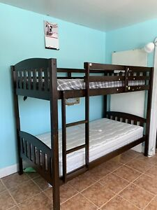 Bunk bed ( including mattresses )