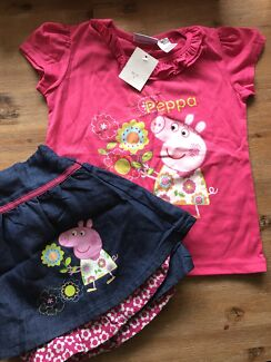 Girls Peppa pig outfit brand new size 4/5
