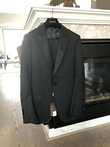 BRAND NEW AUTHENTIC GUCCI SUIT RETAIL $3900 size 40R