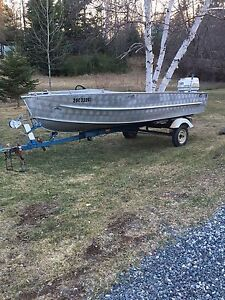 16 ft Aroliner boat motor trailer