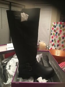 Brand new black 8.5 women's boots