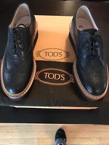 TOD'S Gomma T50 Guard...Ladies. NEW. Size 5.5 (fits like a 6)