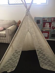Kids play tent teepee SOLD - PENDING COLLECTION Bridgeman Downs Brisbane North East Preview