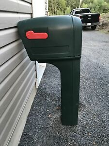 Road side mailbox