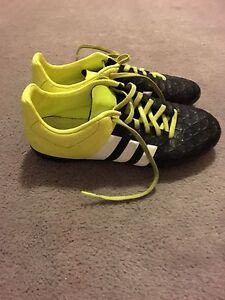 Adidas soccer cleats size 3.5
