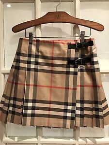 Burberry skirt for kid / Jupe Burberry pour enfant
