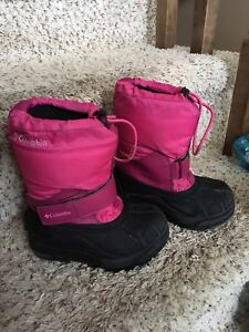 Girls Columbia boots size 9 toddler