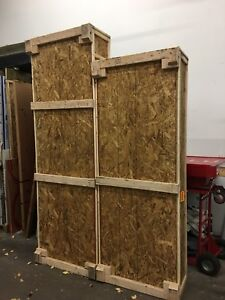 2 Free wooden shipping crates