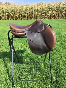 17.5 inch Intrepid Arwen Deluxe saddle