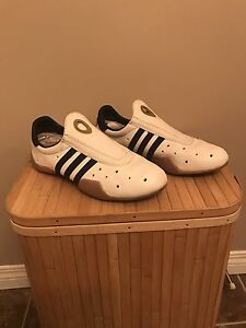 ADIDAS women's shoes. Size-7.5