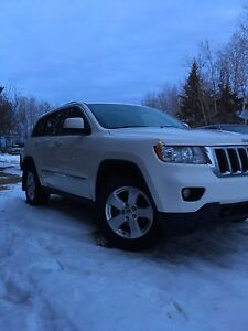 2011 Jeep Grand Cherokee Dealer maintained