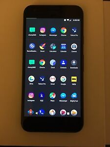 Almost new Google Pixel 32GB Black with two cases