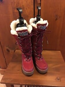 Like New Ladies Greenland Pajar Red Boots size 6