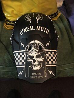 Oneal moto helmet worn 2 times