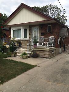 East York Basement Bungalow for rent