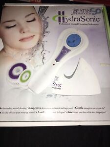 HydraSonic facial cleaner