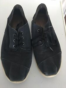 TOMS shoes size 11 Port Kennedy Rockingham Area Preview
