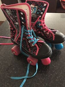 Monster high skate shoes Byford Serpentine Area Preview